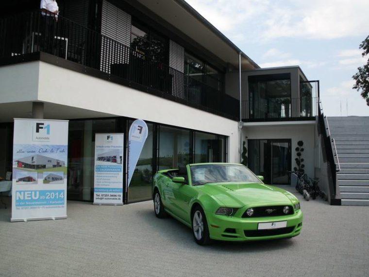 F1 Sportwagen Sponsor beim Golfcup des Freundeskreises der Wirtschaftsjunioren und der Wirtschaftsclubs Karlsruhe