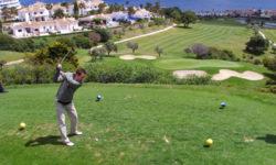 Golf auf dem Rasen